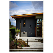 Contemporary Entry by Mohler + Ghillino Architects