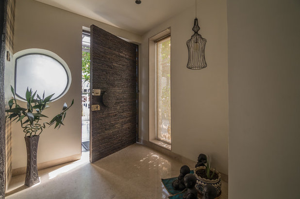 Transitional Entry by Roped Design