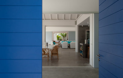 Best Uses for the Saturated Blue Color of 2015