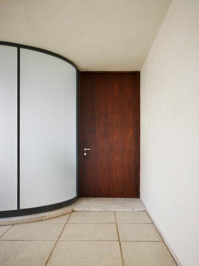 Modern Entry Villa Tugendhat