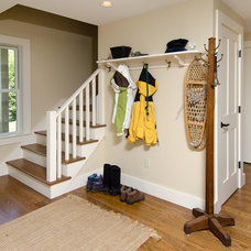 Traditional Entry by Moore Design Builders
