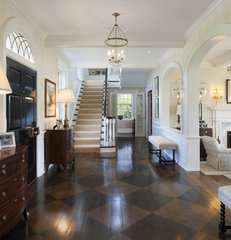 traditional entry by Archer & Buchanan Architecture, Ltd.