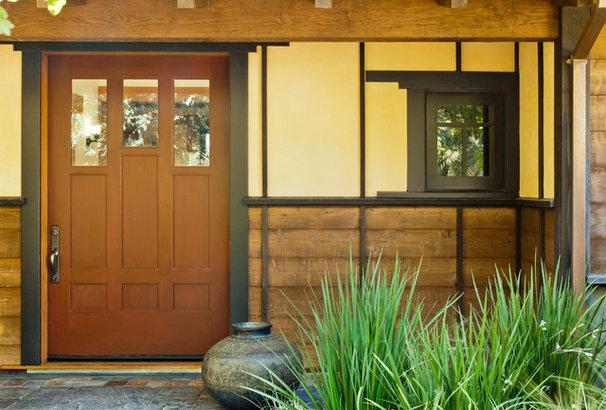 Traditional Entry by John Malick & Associates