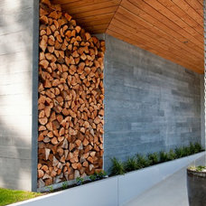 Contemporary Entry by NZ Builders ltd