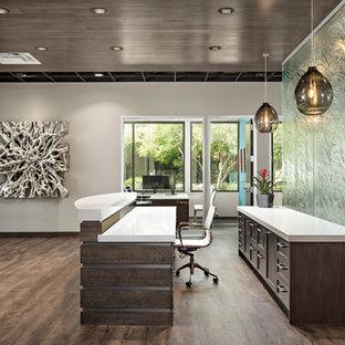 Entryway - modern entryway idea in Phoenix