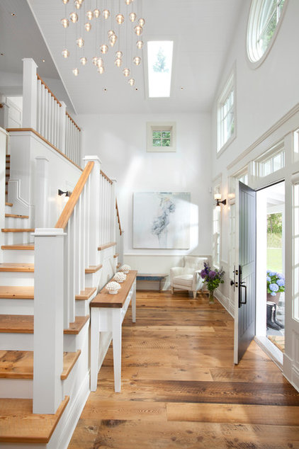 Traditional Entry by jodi foster design + planning