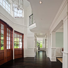 Traditional Entry by Robert A. Cardello Architects