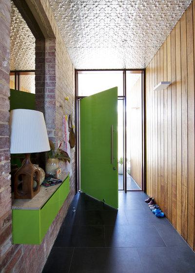 Rétro Entrée by Klopper and Davis Architects