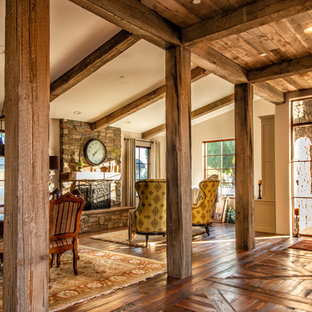 This is an example of a rustic entrance in Los Angeles.