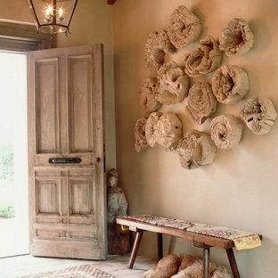 Удачное сочетание для дизайна помещения: прихожая в классическом стиле с кирпичным полом - самое интересное для вас