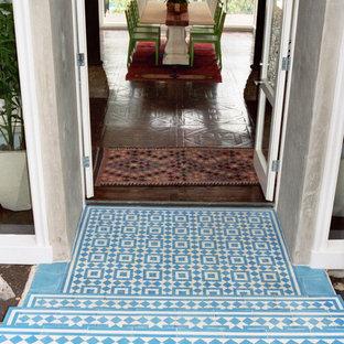 Entryway - mediterranean entryway idea in Los Angeles
