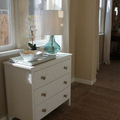 traditional entry by 3 Doors Down Home Staging & Interior Redesign