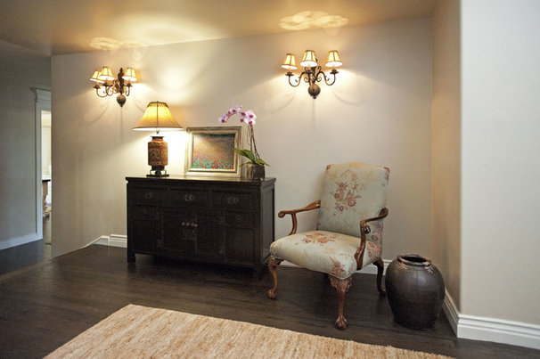 Traditional Entry by Susan Corry Design