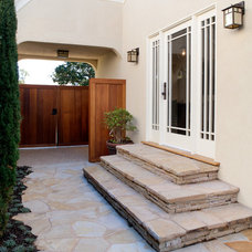 Craftsman Entry by JWT Associates