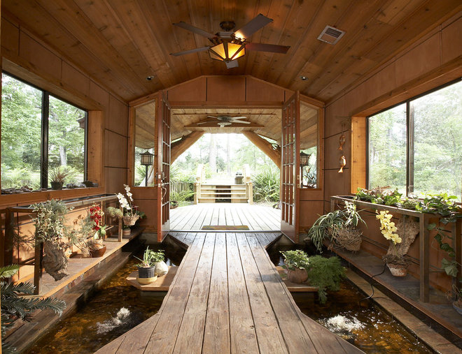 Rustic Patio by Vacation Home Builders