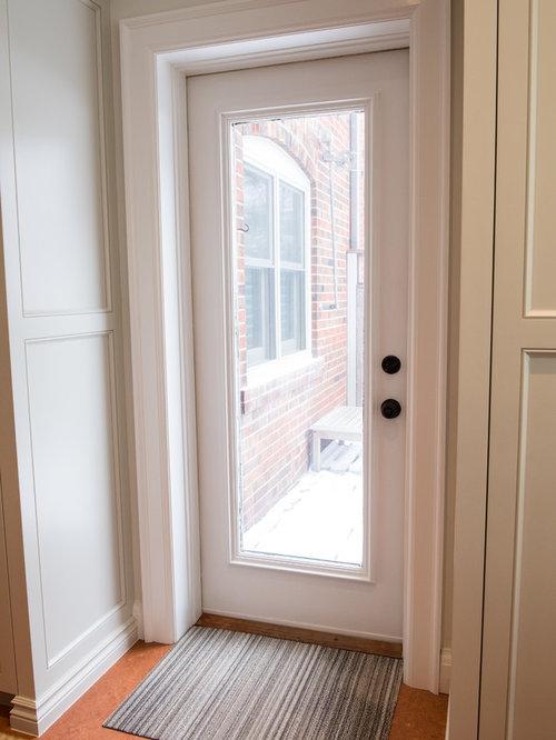 eingang mit korkboden und haust r hauseingang eingangsbereich gestalten houzz. Black Bedroom Furniture Sets. Home Design Ideas