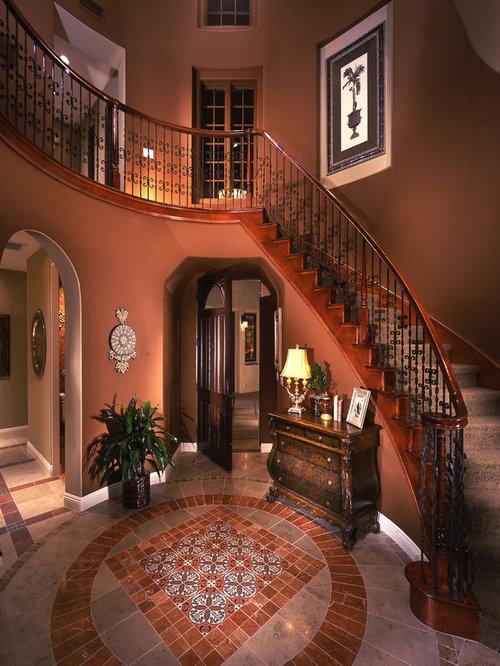 petit hall d 39 entr e m diterran en photos et id es d co de halls d 39 entr e de maison ou d. Black Bedroom Furniture Sets. Home Design Ideas