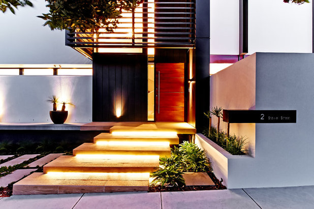 Contemporary Entrance by In2 Pty Ltd