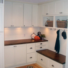 Traditional Entry by CliqStudios Cabinets