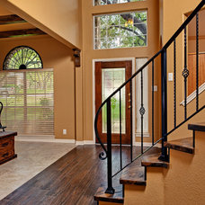 Traditional Entry by KM Builders