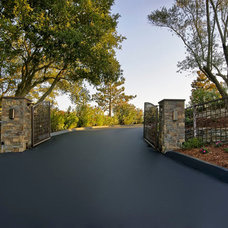 Contemporary Entry by Custom Dreams Construction Group