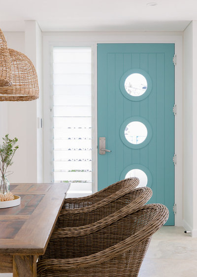Beach Style Entry by PRG Architects