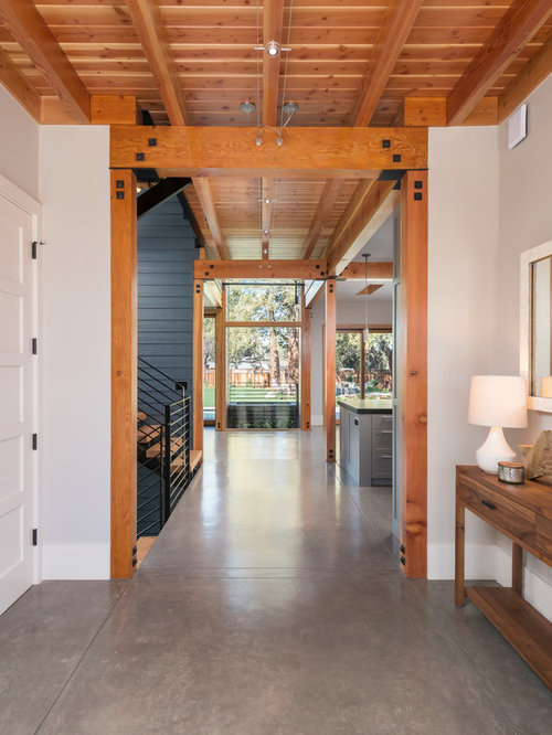 Country entryway design ideas renovations photos with a for Country foyer ideas