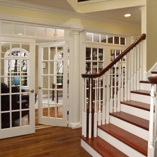 Traditional Entry by Macnon Builders