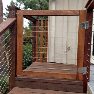 Entryway - modern entryway idea in San Diego