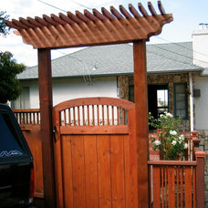 Traditional Entry by Home & Garden Construction Group