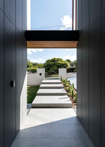 Contemporary Entrance by Big House Little House