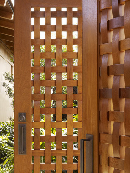 Tropical Entry by GT Design, Inc.