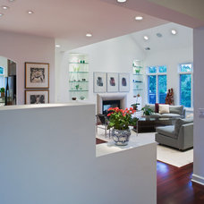 Contemporary Entry by Wright Street Design Group Inc.