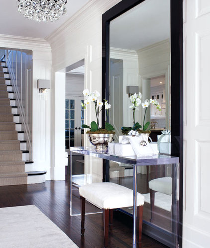 Contemporary Entry by McGill Design Group Inc.