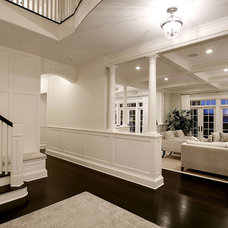 Traditional Entry by Anderson Construction Group, Inc.