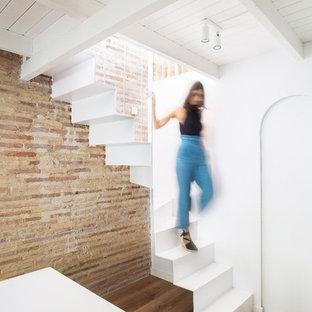 Diseño de escalera en L contemporánea