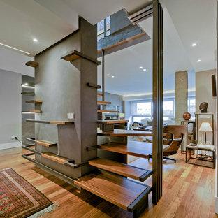 Modelo de escalera en L, minimalista, grande, sin contrahuella, con escalones de madera