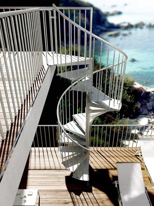 Escalera de caracol para exterior en jardines