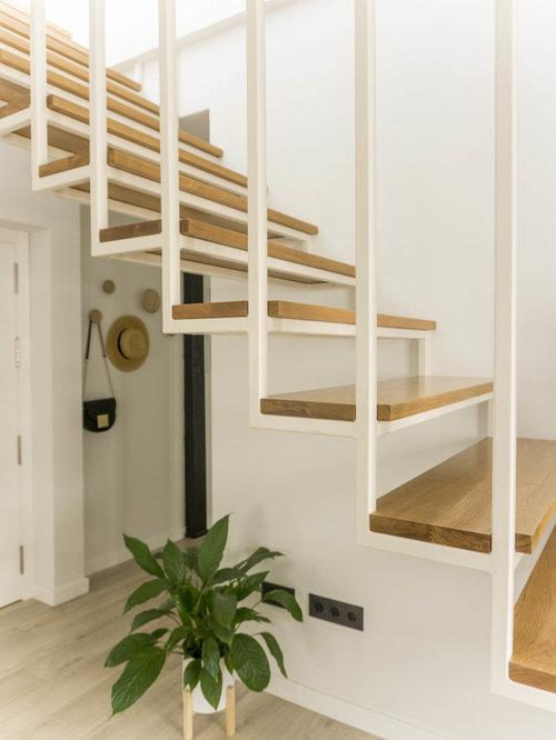 Fotos de escaleras dise os de escaleras suspendidas n rdicas for Escaleras suspendidas