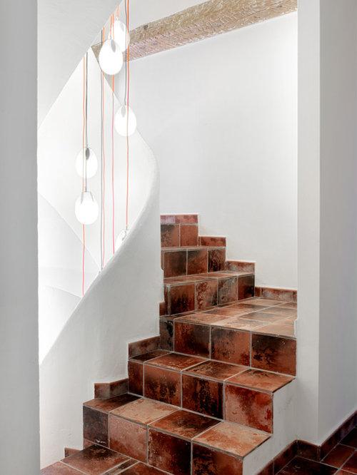 Fotos de escaleras dise os de escaleras con for Baldosas para escaleras