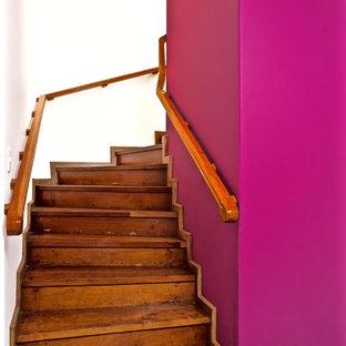 メキシコシティのトランジショナルスタイルのおしゃれな階段の写真