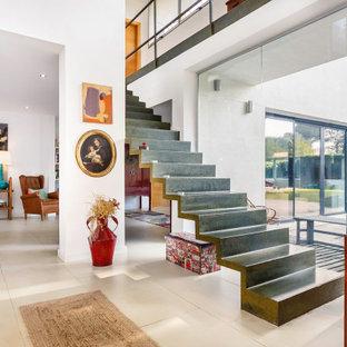 Modelo de escalera recta contemporánea