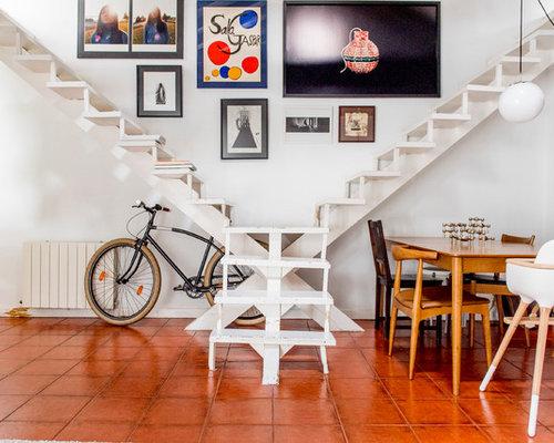 mediterrane treppen mit gebeizten holz treppenstufen ideen design bilder houzz. Black Bedroom Furniture Sets. Home Design Ideas