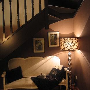 マドリードの中サイズのトロピカルスタイルのおしゃれな階段の写真