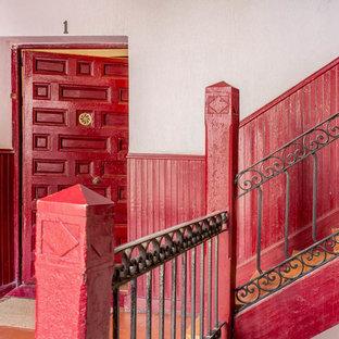 マドリードのインダストリアルスタイルのおしゃれな階段の写真