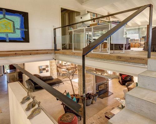Treppenhaus mit beton setzstufen im landhausstil ...