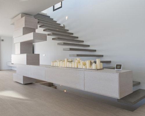 Fotos de escaleras dise os de escaleras suspendidas sin for Contrahuella escalera