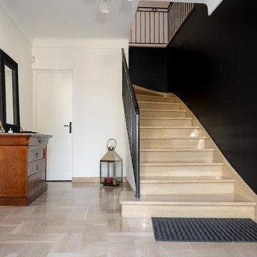 Aménagement d'une cage d'escalier et d'un palier
