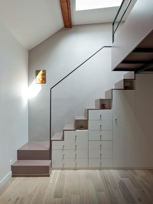 Images de d coration et id es d co de maisons rangement sous escalier for Rangement escalier