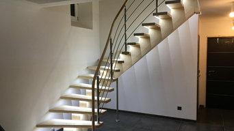 Escalier à crémaillère centrale débillardée